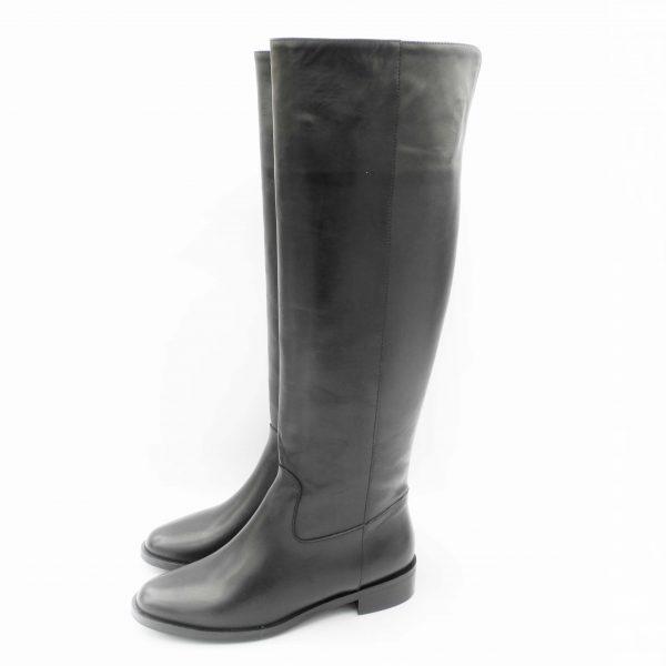 stivali-in-pelle-nera-ad-altezza-ginocchio