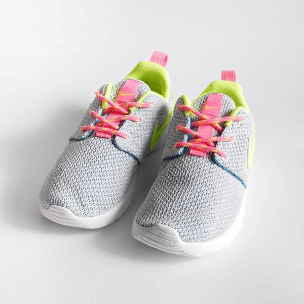 scarpe-sportive-bambina-nike-rosherun-estive-con-lacci